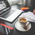 schrijven laptop koffie hand 800px